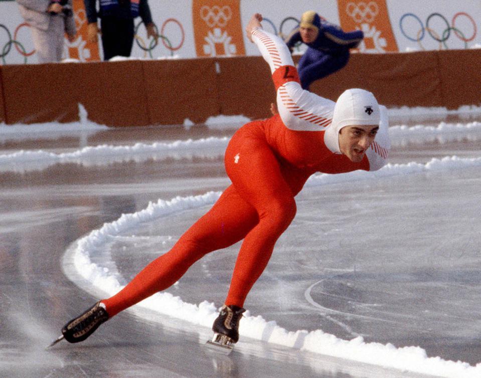 Gaétan Boucher s'inscrit parmi les grands du patinage de vitesse aux Jeux de Sarajevo en 1984. (Photo PC/AOC)