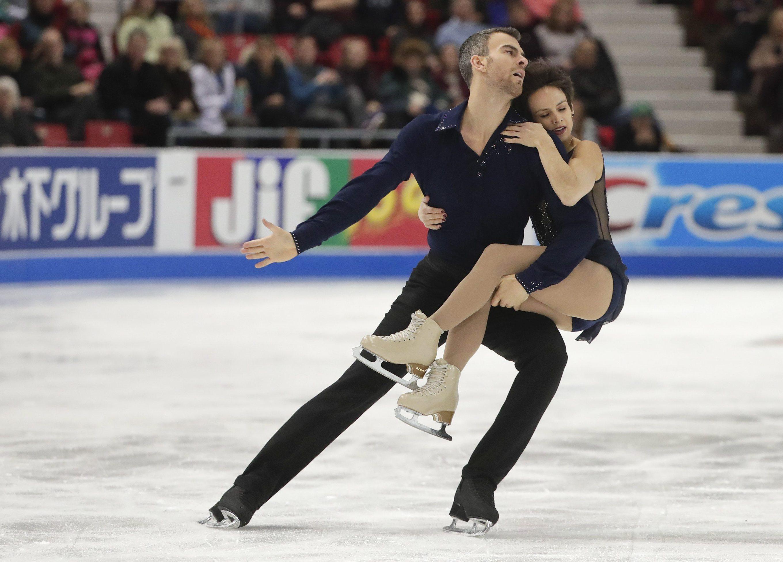 Les patineurs artistiques d'Équipe Canada Meagan Duhamel et Eric Radford lors du programme libre chez les couples au Grand Prix Skate America à Lake Placid, New York, le 24 novembre 2017. (Photo : AP/Julie Jacobson)