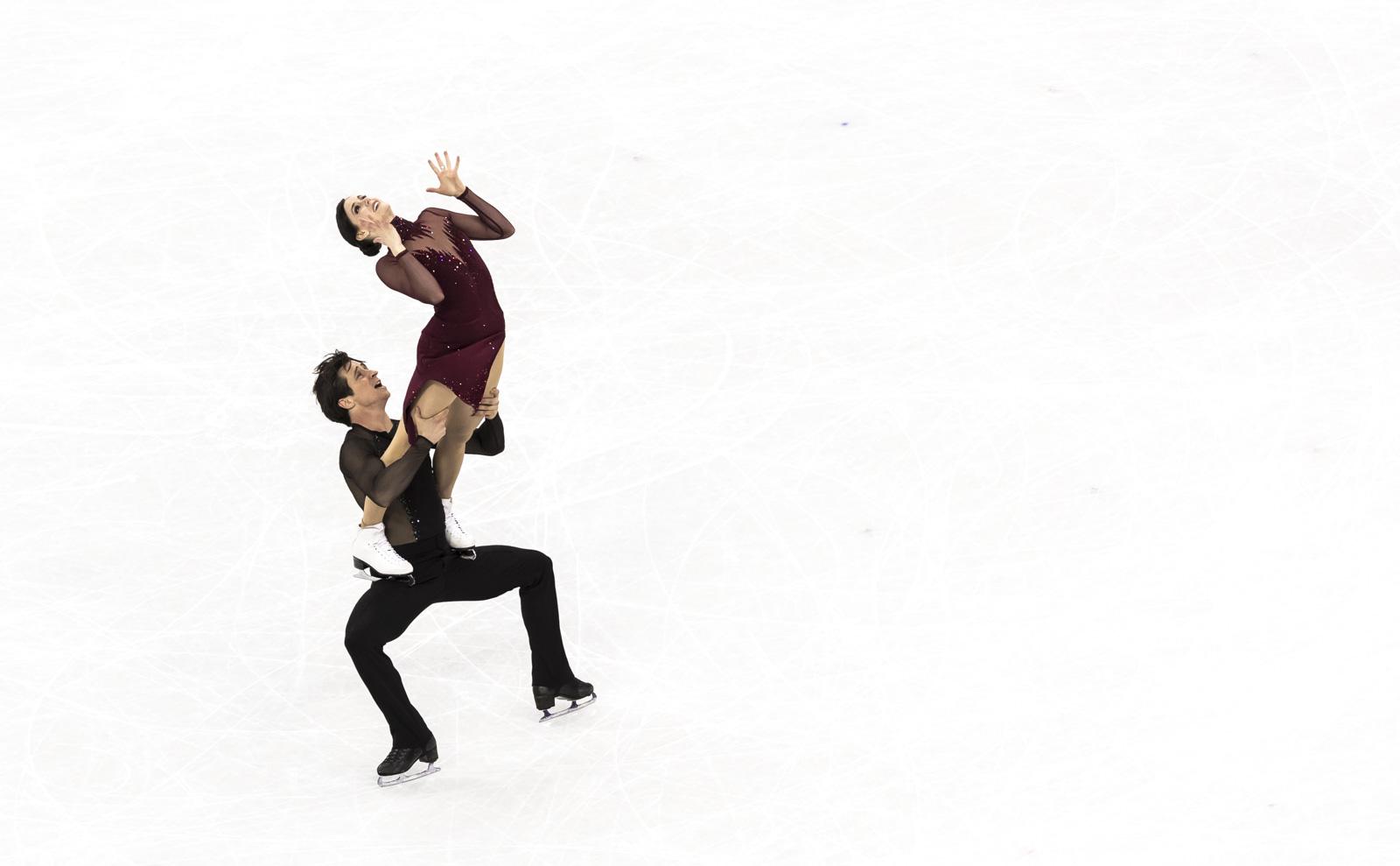 Tessa Virtue et Scott Moir patinent vers l'or en danse sur glace aux Jeux olympiques de PyeongChang, le 20 février 2018.(Photo : COC/Stephen Hosier)