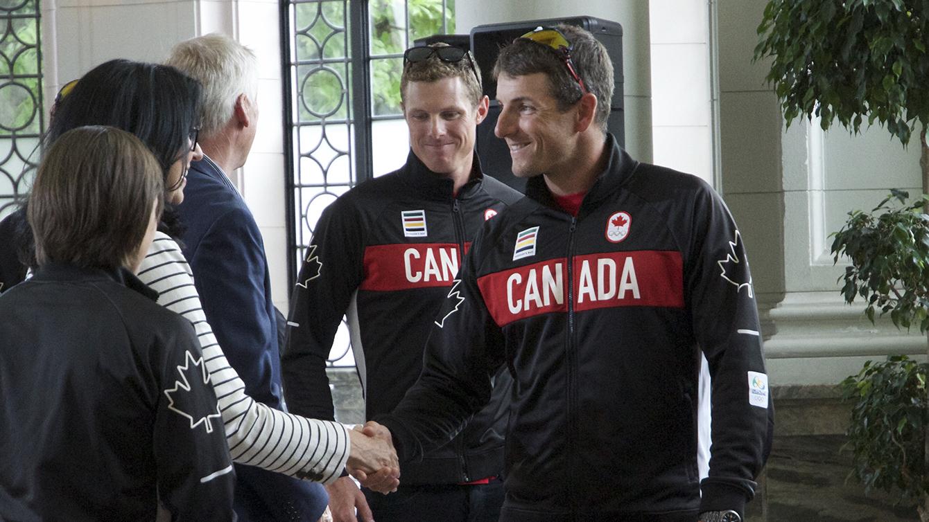 Julien Bahain lors de l'annonce de l'équipe olympique canadienne d'aviron à Casa Loma à Toronto, le 28 juin 2016. (Photo : Tavia Bakowski/COC)