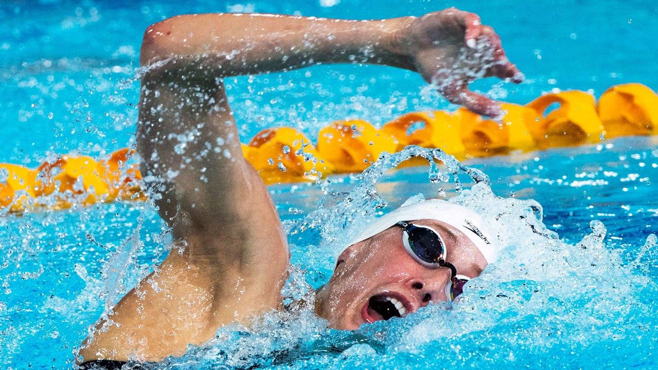 La Canadienne Taylor Ruck nage sa portion du relais4x200m libre lors de la finale aux Jeux du Commonwealth le samedi7avril2018 sur la Gold Coast, Australie. Le Canada a remporté l'argent à cette épreuve. Photo : LA PRESSE CANADIENNE/Ryan Remiorz