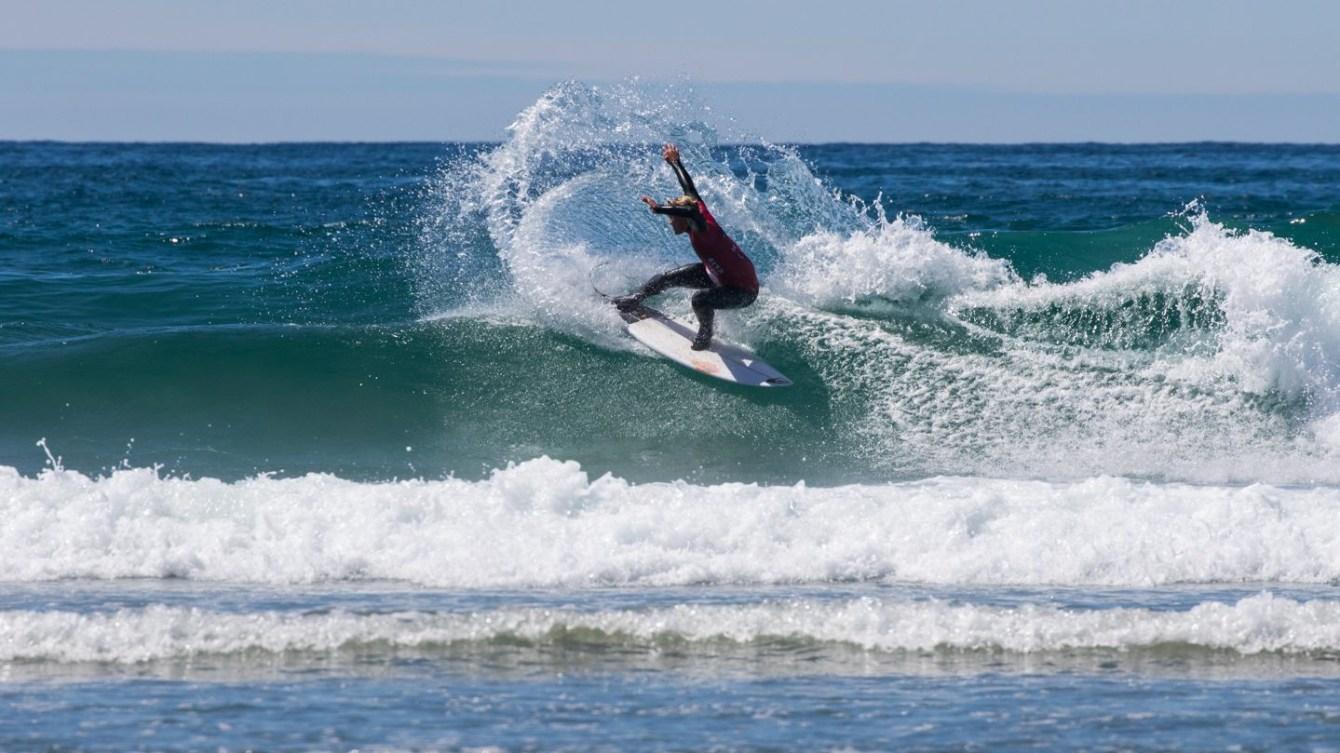 Cody Young en action à la compétition nationale de Surf Canada, en mai 2018 (Photo: Marcus Paladino)