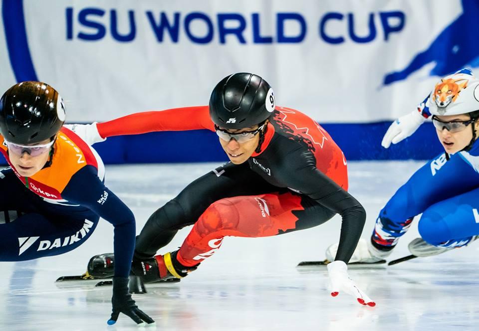 Alyson Charles en action lors de la Coupe du monde de patinage de vitesse sur courte piste de Salt Lake City.