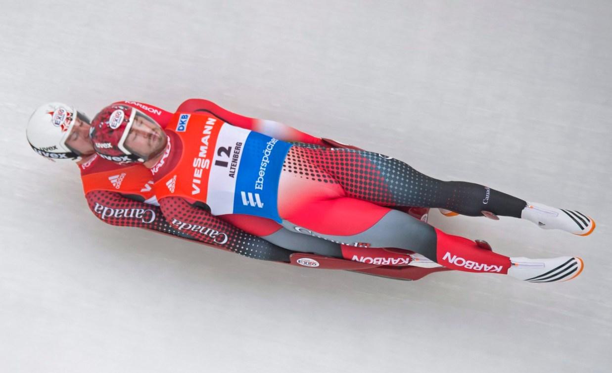 Tristan Walker, devant, et Justin Snith en action en luge double à la Coupe du monde d'Altenberg