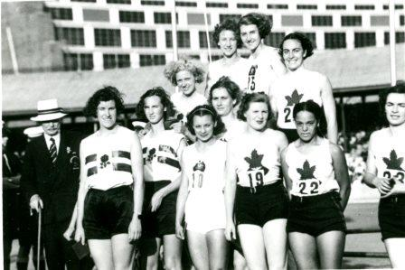 Barbara Howard et ses coéquipières, souriantes
