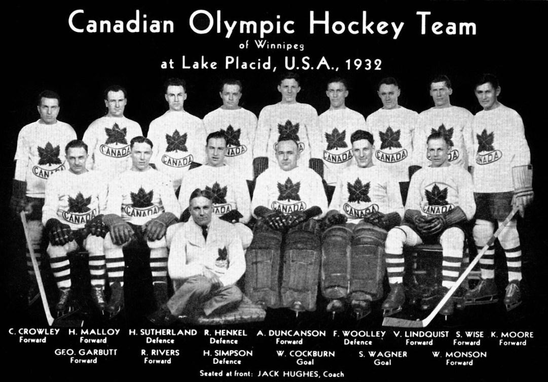 Photo d'équipe de la formation canadienne de hockey des Jeux olympique de 1932.