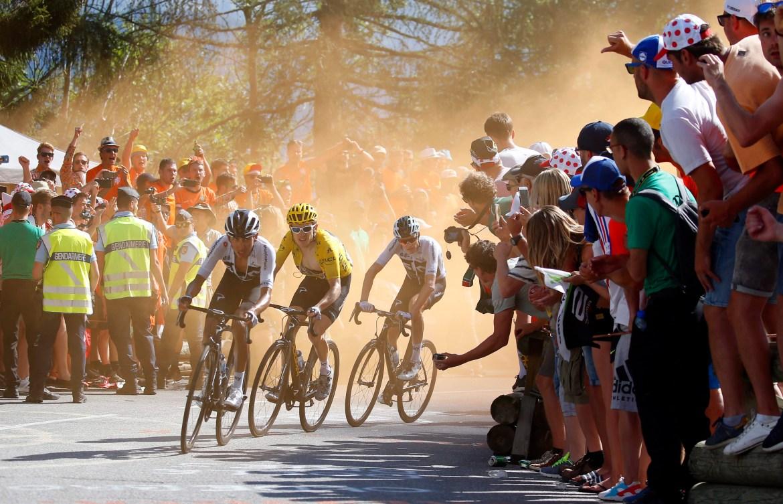 Egan Arley Bernal Gomez, Geraint Thomas et Chris Froome lors d'une montée à la 12e étape du Tour de France de 2018.