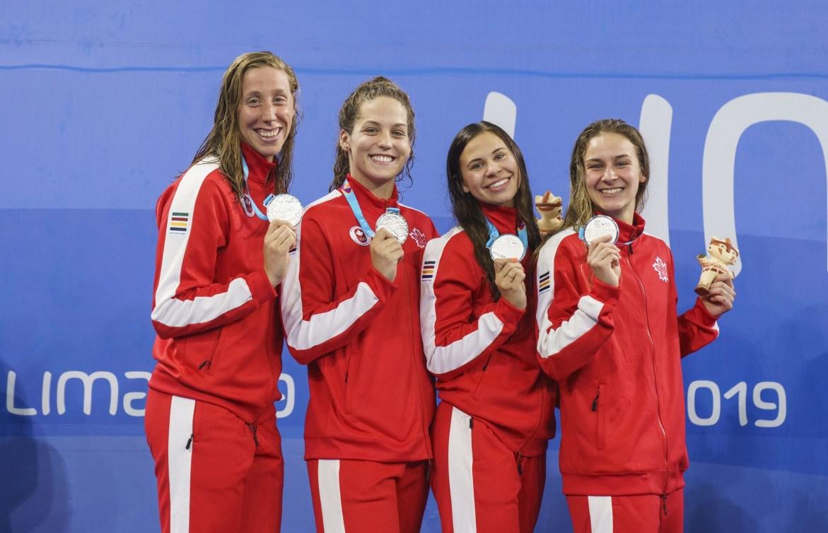 Alexia Zevnik, Haley Black, Faith Knelson et Danielle Hanus et leurs médailles à Lima 2019