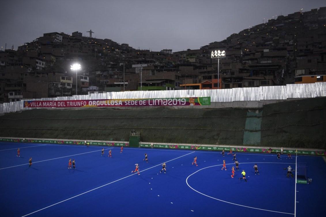 Les joueuses de hockey sur gazon en action sur le terrain de Lima 2019