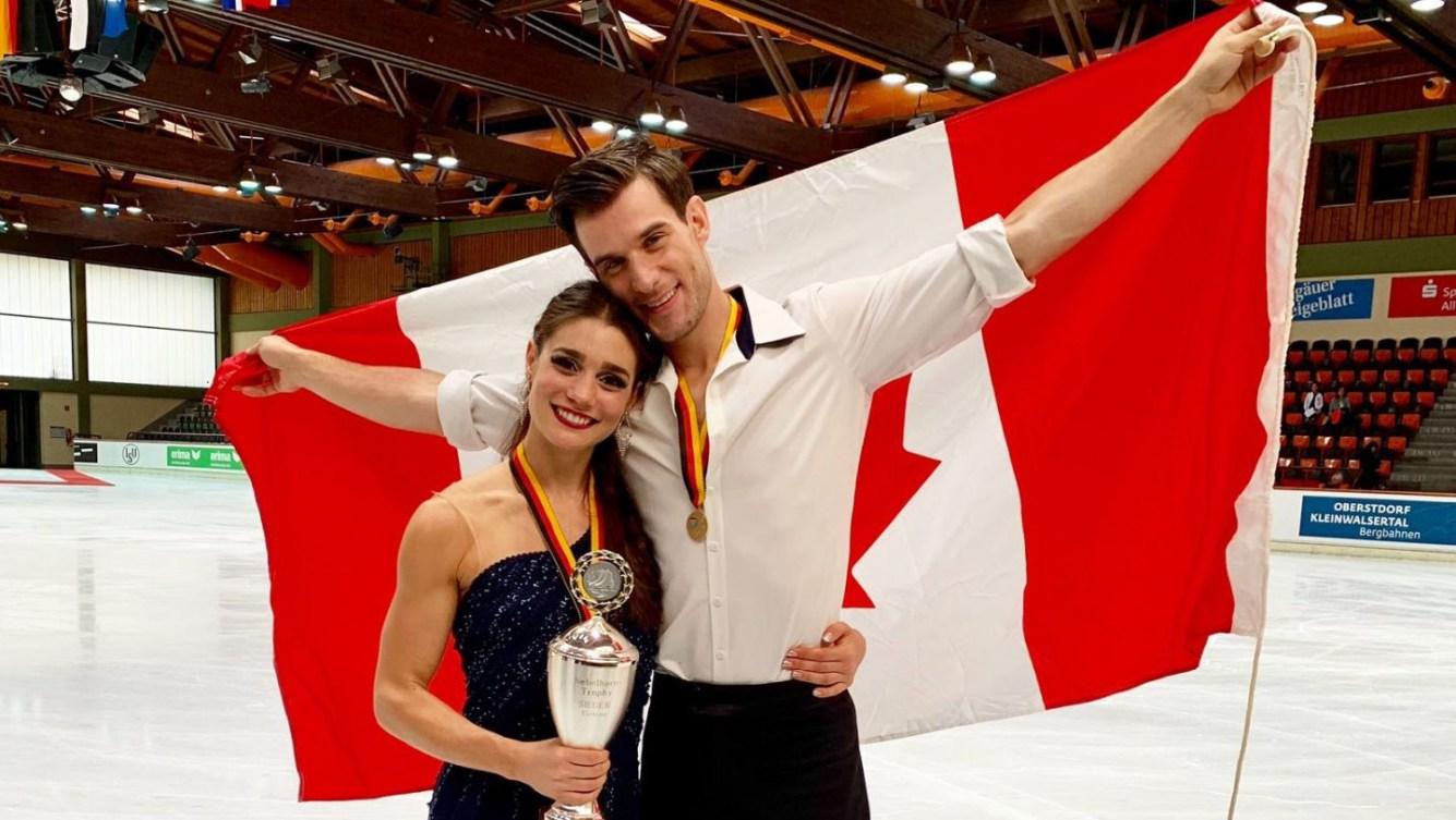 Fournier Beaudry et Sorensen posent avec le drapeau canadien et leur médaille d'agent au Trophée Lombardia