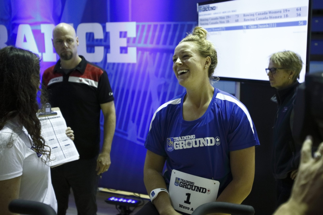 Kelsey Mitchell, souriante, au Camp des recrues RBC