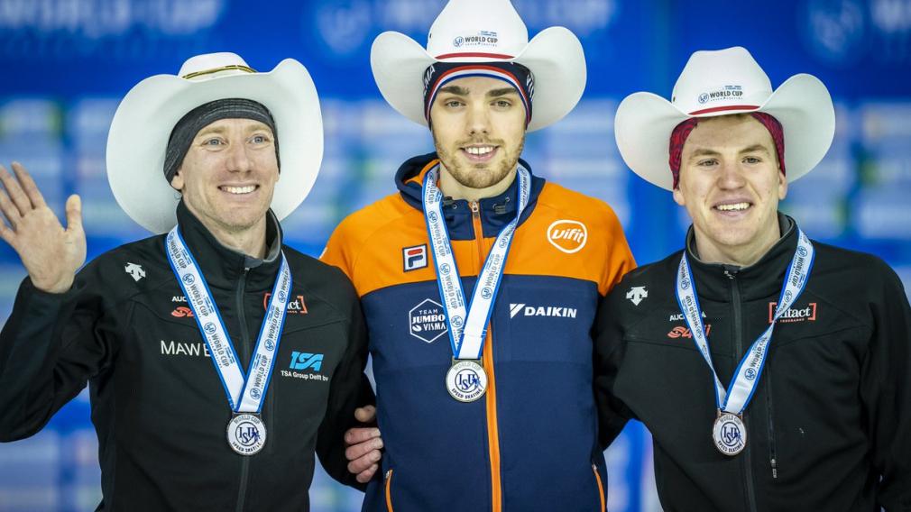 Ted-Jan Bloemen, Patrick Roest et Graeme Fish sur le podium